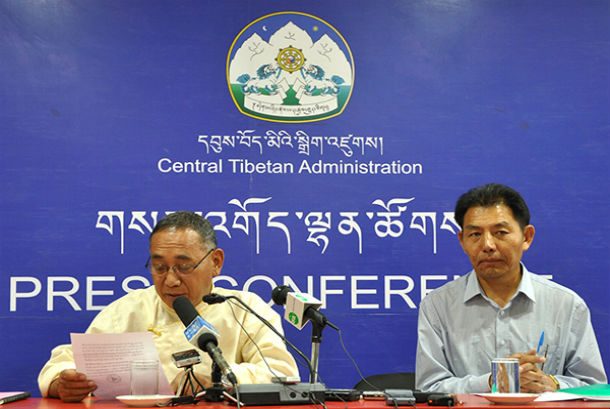 Kalon Ngodup Tsering and Secretary Ngodup Dorjee addressing the press conference, 28 May 2015. CTA/DIIR