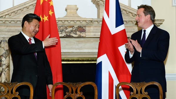 Chinese president Xi Jinping, left, and UK Prime Minister David Cameron in London on Wednesday. Photo: Politics & Policy